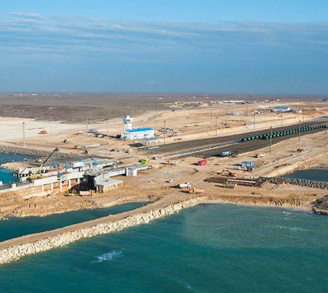 Паромный комплекс в порту Курык